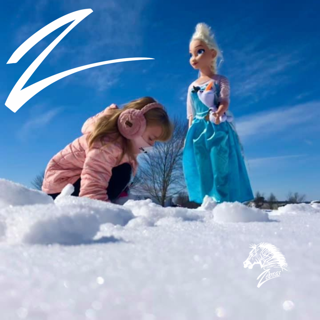 Elsa and Raelynn in the snow