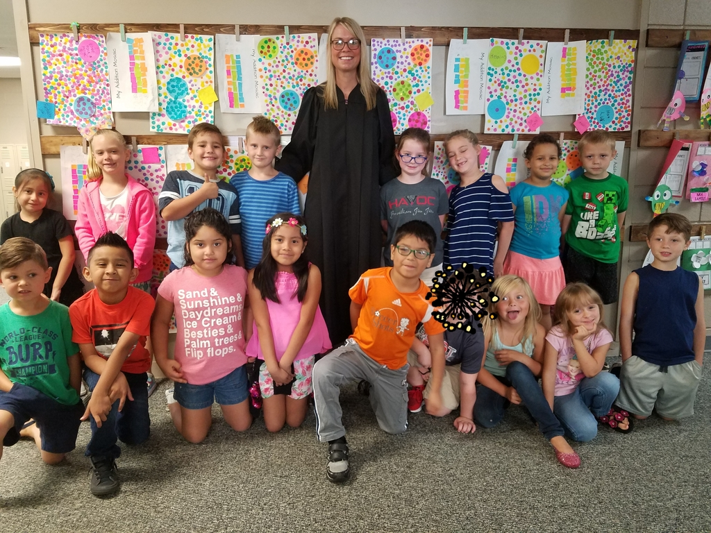 1st grade class with Judge McCoy