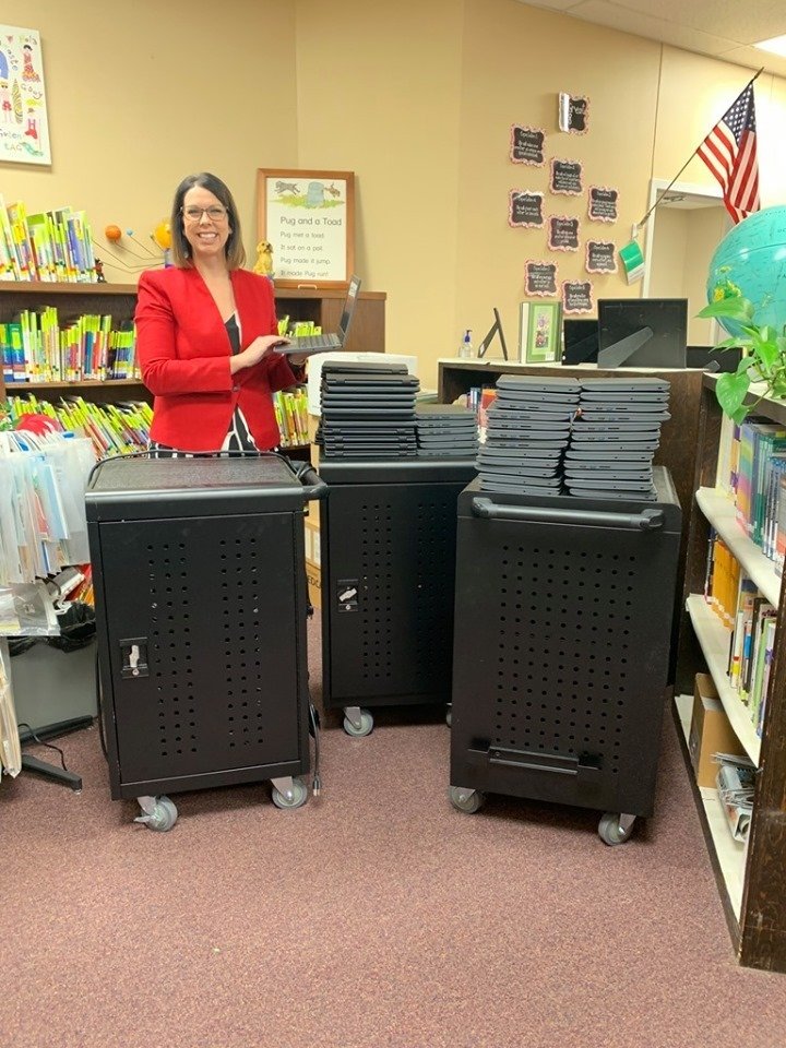 Roosa receives 90 Chromebooks