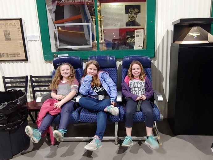 Roosa Second Grade went to the Tulsa Air and Space Museum!